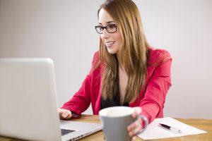 Sprawdzanie opinii o firmie w internecie